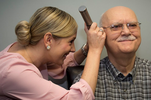 How to Recognize and Alleviate the Symptoms of Age-Related Hearing Loss